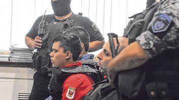 en el centro. Facundo Macaco Muñoz, es uno de los acusados por el fiscal Federico Reynares Solari.