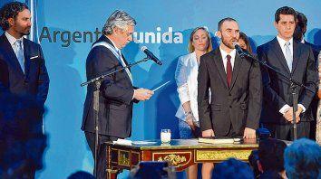la jura. El ministro de Economía, Martín Guzmán, tendrá a su cargo poner en práctica los anuncios de Alberto.