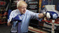 ¿Por KO? En campaña, Johnson se siente a sus anchas y sintoniza con los ingleses de clase popular.