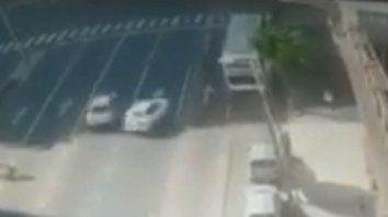 Atropelló y mató a tres personas y quedó filmado en un video