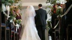 Entró a los gritos a la boda de su ex para impedir que se casara