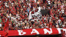 En Córdoba. El 3 de noviembre los leprosos acompañaron al equipo en la visita a Talleres.