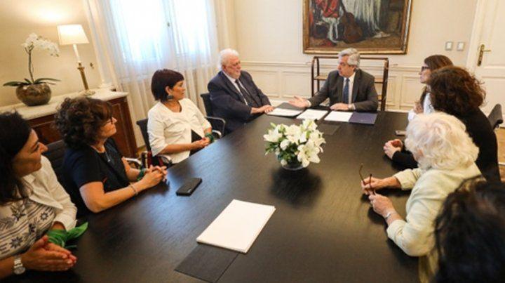 con el presidente. Alberto Fernández recibió a González García antes de la conferencia del ministro.