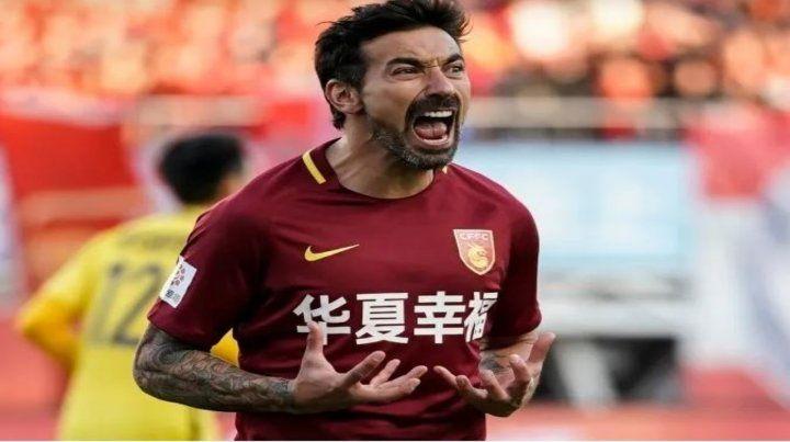 Lavezzi hizo el último gol como profesional el pasado 27 de noviembre jugando para Hebei Fortune de China.