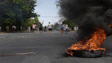 Piquete. En Ayacucho al 6300 cortaron calles y quemaron cubiertas.
