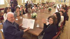Salón. El ministro junto a mujeres promotoras del aborto legal, seguro y gratuito.