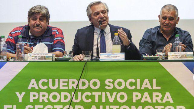 El presidente Fernández junto a los referentes sindicales