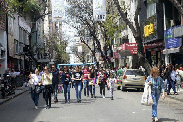 Para el Día de la Madre ya habían hecho peatonal calle San Luis.