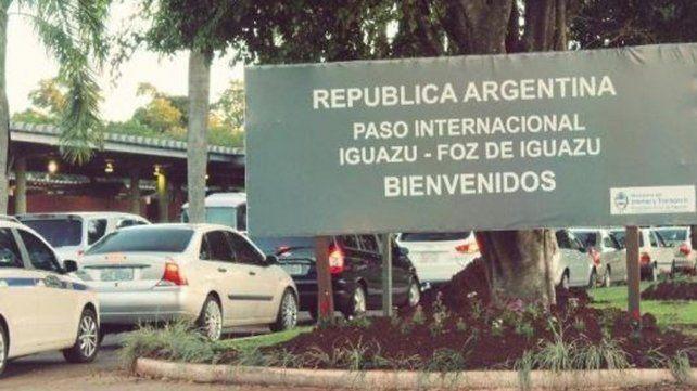 Exceptúan del recargo del 30 por ciento a los viajes en pesos a países limítrofes