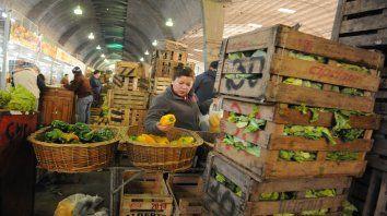 Mercado. El centro de acopio de frutas y verduras de 27 de Febrero y San Nicolás será objeto de controles.