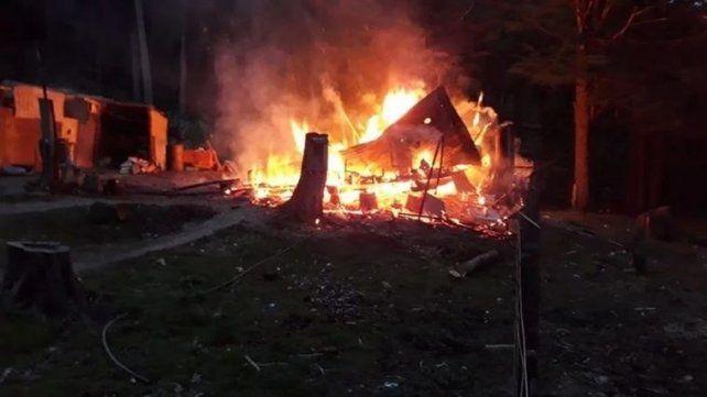 Cinco muertos al incendiarse un complejo de cabañas