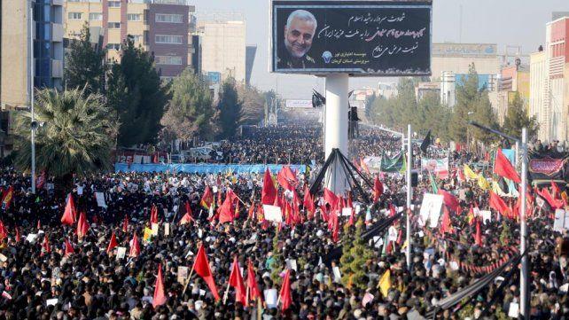 Una estampida en el funeral de Qassem Soleimani dejó 35 muertos