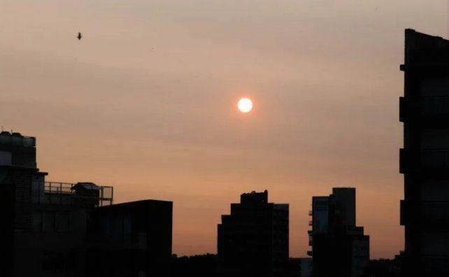 Los rosarinos pudieron ver la llegada del humo de los incendios forestales de Australia.