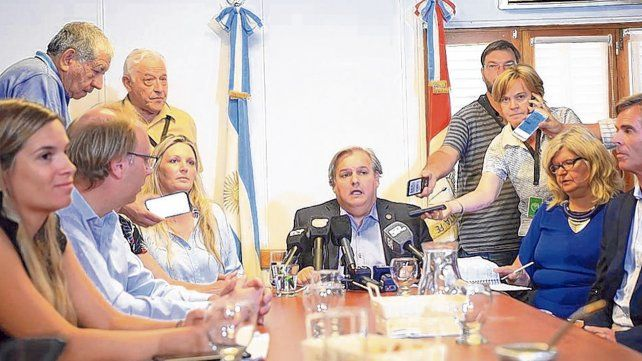 frentistas. Farías y otros ex funcionarios del gobierno anterior salieron a responderle a Frana.