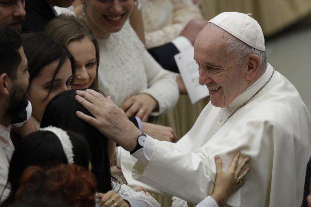 Te doy un beso si no me muerdes, le dijo el Papa a una monja