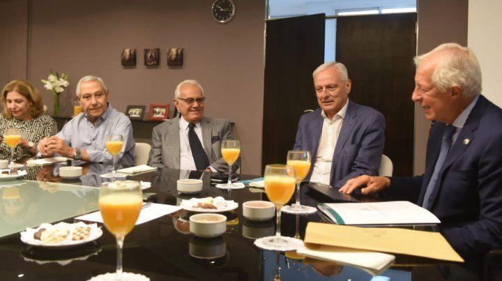 El Ministro de Salud y las clínicas privadas acordaron un plan de trabajo conjunto