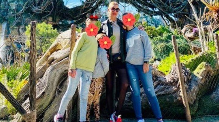 Nicole Neumann reveló por qué les tapa los rostros a sus hijas en las fotos