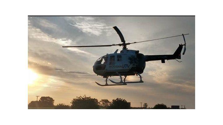 El helicóptero sanitario trasladó al conductor del Siena