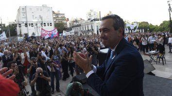 Nuevos tiempos. El intendente Pablo Javkin, el 10 de diciembre pasado, cuando asumió al frente del Palacio de los Leones.