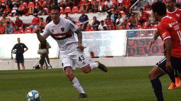 En acción. Moreno tiene un gran panorama de juego. Su apellido sonó en Boca y River, pero el pibe tiene los pies sobre la tierra.