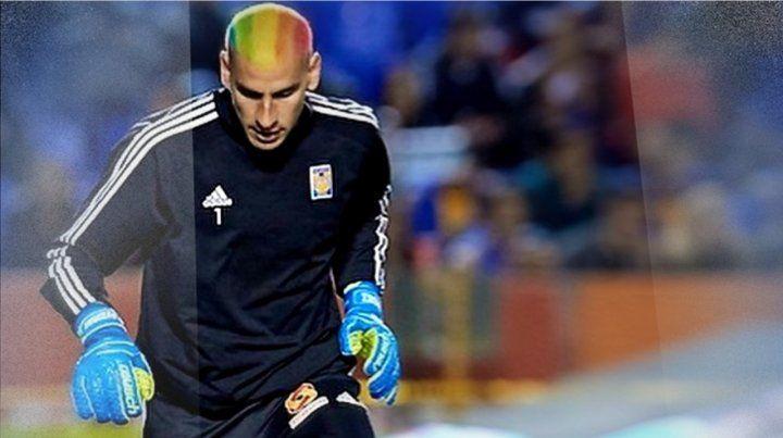 El Patón Guzmán, teñido contra la homofobia en el fútbol