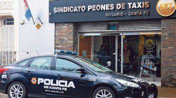 disputado y custodiado. El Sindicato Peones de Taxis tiene su sede en Salta 2882, escenario de una feroz interna sindical desde el año pasado.