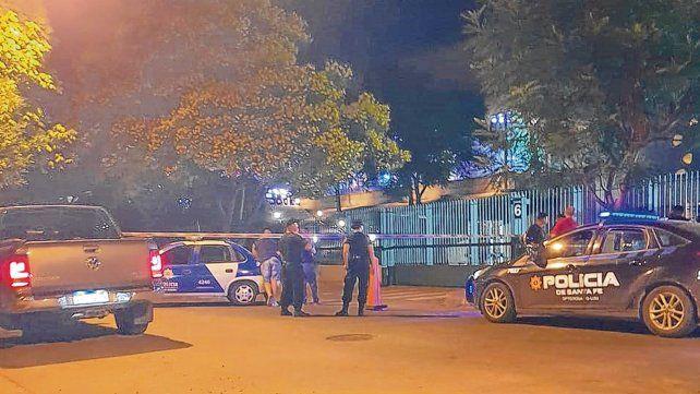 Fatal. El ataque ocurrió el sábado cerca de las 22.30. La víctima había ido a jugar al casino y estaba en un balcón para fumadores sobre calle Moreno.