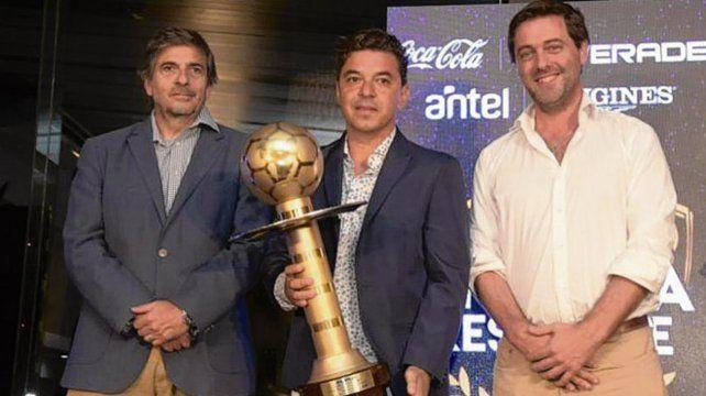 Galardonado. Gallardo recibió por 2º año consecutivo el premio al mejor técnico.