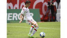 Tres camisetas. Fértoli pasó de Newells a San Lorenzo y ahora lo quiere Racing.