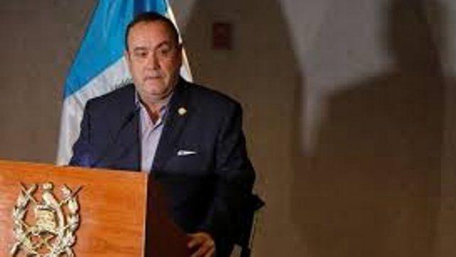 Alejandro Giammatei asumió en Guatemala