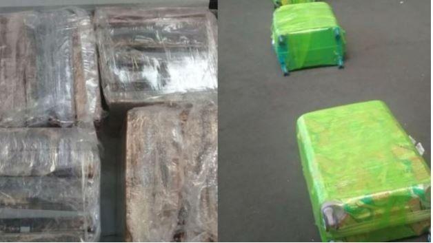 Secuestran 84 kilos de cocaína ocultos en la bodega de un avión que estaba por despegar de Ezeiza