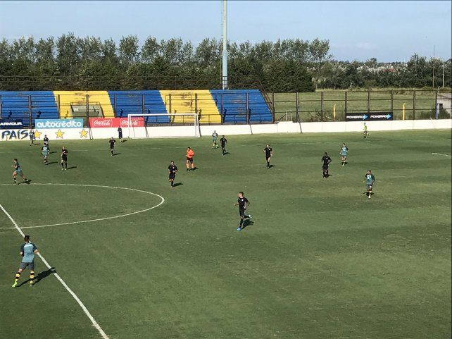 Los 45 minutos que hicieron los titulares terminó 0-0 en el country de Arroyo Seco.