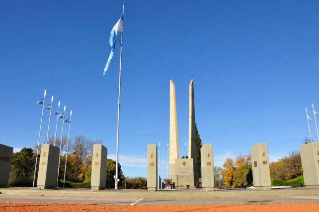 El memorial del combate de San Lorenzo de donde robaron las placas de bronce.