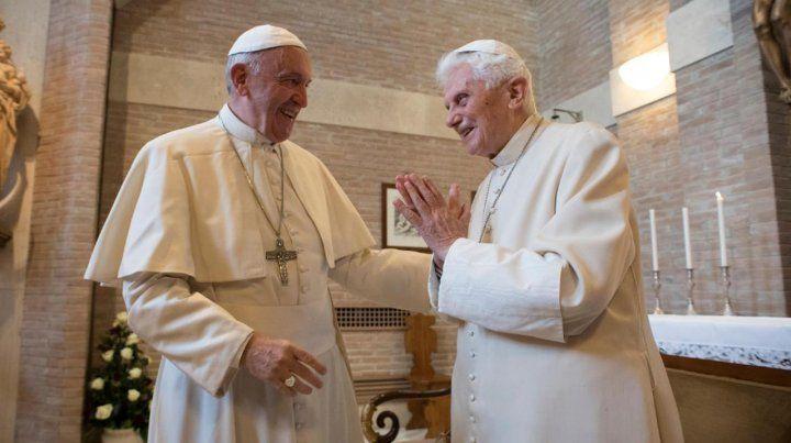 Pontífices. La imagen data de unos años pero ahora se puso de moda gracias a un éxito de Netflix.