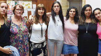 Juntas. Edilas de la comisión de Feminismo y Disidencias, con Gimena.