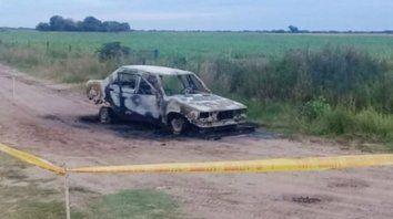 Peritajes. El fiscal solicitó analizar los restos del auto quemado.