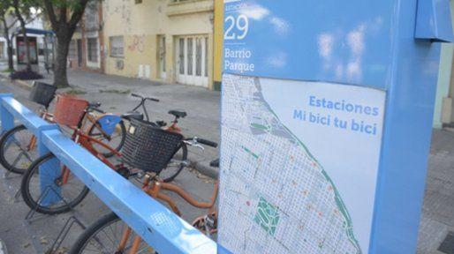 Francia al 2200. El sistema Mi Bici Tu Bici se insertó con firmeza en las costumbres de los rosarinos.