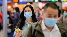Los síntomas del coronavirus son fiebre, fatiga, acompañados de tos seca.