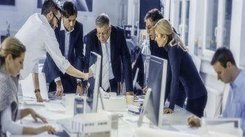 Comunicación. Un buen gerente de ventas sabe transmitir con claridad qué es lo que espera de su equipo de trabajo.