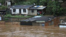 desborde. Un río fuera de cauce en el interior de Minas Gerais.