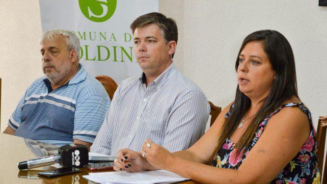 Descargo. El secretario de Apempe, Valentín Lucci; el jefe comunal, Alejandro Luciani y la abogada Patricia Carreras, se disculparon ante la comunidad.