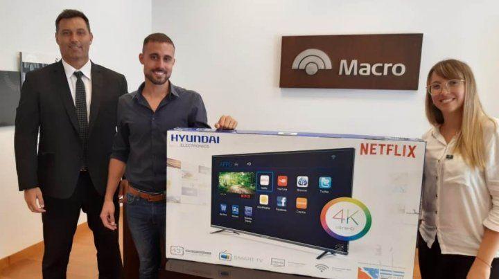 Macro entregó premios a sus clientes