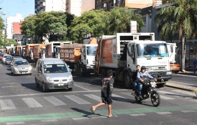 Ruidosa manifestación de recolectores y camioneros contra la misión del FMI