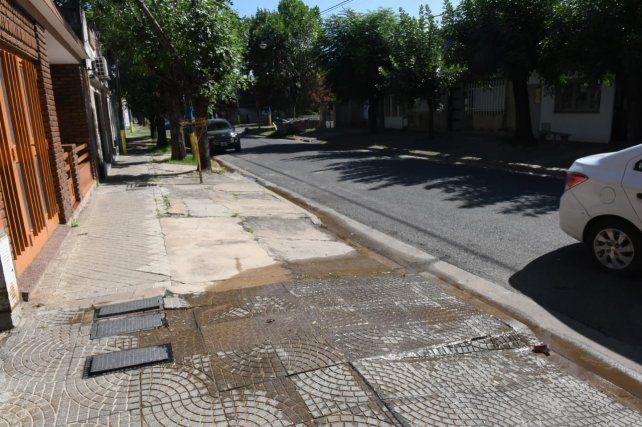 Denuncian que en una noche se robaron 20 medidores de agua en barrio Belgrano