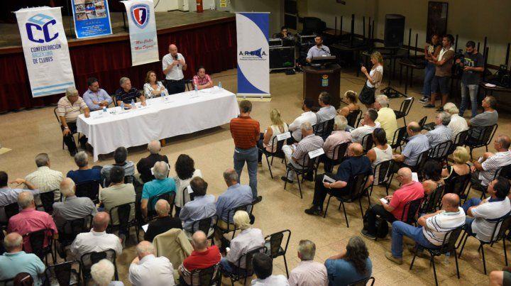 Preocupados. El año pasado los referentes de los clubes cerraron filas ante los tarifazos de los servicios públicos.