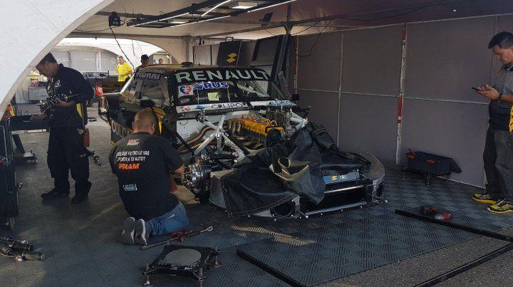 A punto. Primeros trabajos en Viedma del Renault Sport Team en el Toro de Ardusso.