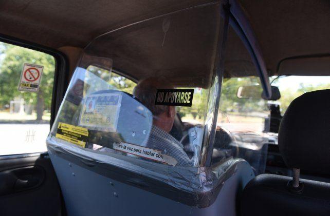 Mampara. Algunos taxistas de la ciudad implementaron