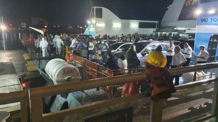 En la terminal de la empresa se montó un enorme operativo sanitario.