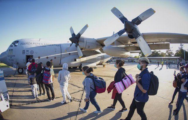 Palomar. Uno de los aviones militares antes de salir ayer