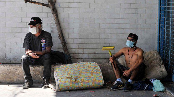 La prevención del virus se choca con la realidad de los barrios más pobres